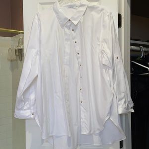 3x Calvin Klein. White long sleeves shirt